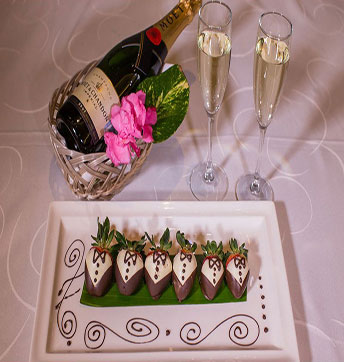 Champagne & Dipped Strawberries
